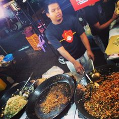 Cookin' up a storm at a local food market in suburban Kuala Lumpur ! #upsticksandgo #market #foodphoto #foodmarket #foodtravel #travelfood #travelgram #travelphotos #travellingtheworld #KL #kualalumpur #malaysia | Flickr - Photo Sharing!