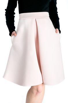 #skirt #midi #pink  http://www.bluzat.ro/produs/fusta-neopren/