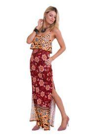 1ea6bf3d3 O vestido longo estampado de alça fina com fenda lateral e detalhe de babado  em viscolycra
