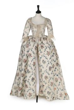 Robe à l'Anglaise, fabric: China for the Western market. Cream silk painted with shades of blue convolvulus trails, orange honeysuckle and purpled pink posies. 18th Century Dress, 18th Century Fashion, 17th Century, Historical Costume, Historical Clothing, Historical Dress, 1700s Dresses, Women's Dresses, Fashion Corner