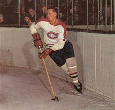 Jacques Laperrière : À 6'2'' et 190 livres, « Lappy » était l'un des joueurs les plus imposants de la ligue. Il pouvait laisser tomber les gants si cela s'avérait nécessaire, mais préférait s'en abstenir autant que possible. À l'inverse de la plupart des joueurs de son gabarit, Laperrière préférait se servir de sa tête plutôt que de ses poings, une approche qui le servit à merveille tout au long de sa carrière. Hockey Baby, Ice Hockey, Montreal Canadiens, Team Player, Hockey Players, Hockey Games, Sports Figures, National Hockey League, Baseball Cards