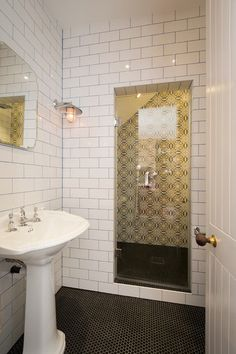 Traditional #Bathroom by Domus Nova http://www.houzz.com/ideabooks/33820875?utm_source=Houzz&utm_campaign=u809&utm_medium=email&utm_content=gallery0