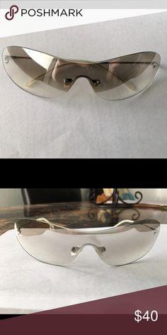 Vera Wang shield sunglasses EUC shield sunglasses made by Vera Wang with a flash silver mirror coating. Worn a couple times. Vera Wang Accessories Sunglasses