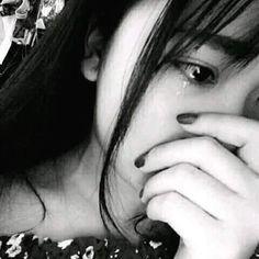 Bấm hộ nút #theodõi Cute Asian Babies, Cute Korean Boys, Ulzzang Korean Girl, Ulzzang Couple, Lonely Girl, Sad Girl, Girl Photo Poses, Girl Photography Poses, Crying Pictures