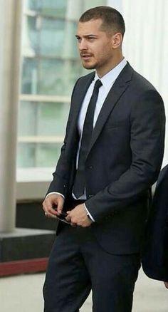 Turkish Men, Turkish Beauty, Turkish Actors, Cagatay Ulusoy, Handsome Celebrities, Actor Model, Book Characters, Tvs, Role Models