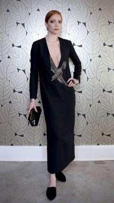 vestido Gucci, chinelos, Senso, joias Mariah Rovery, clutch Serpui Marie
