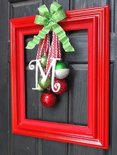 Need Something More in Your Holidays? Here Are a Few Ways to Spruce Up Your Home! : Wreath Alternative for Making your Front Door More Festive