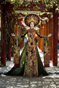 "vietnam ,ethnic groups in Vietnam , hue city ( thua thien hue ) , trungviet kingdom , "" ao dai royal vietnam codien"""