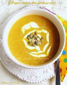 Supa crema din dovleac copt Thai Red Curry, Vegetarian Recipes, Good Food, Mai, Ethnic Recipes, Desserts, Deserts, Dessert, Health Foods