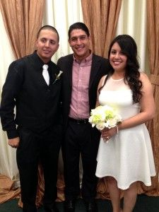 Great Officiant Octavio's Windy Wedding and Chapel Wedding Sucess!
