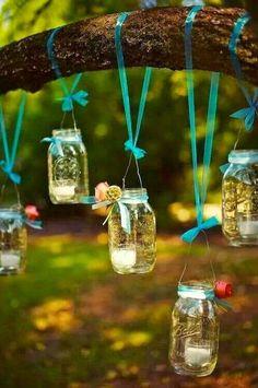 Guriaaaa, se eu te contar a infinidade de coisas que da pra fazer com alguns metros de renda, objetos velhos e flores vo...