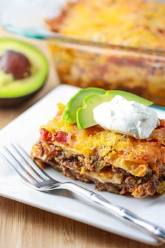 Turkey taco casserole, 293 calories, 12g fat, 27g protein, 8 points for a 1/6 of the casserole.