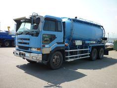 NISSAN UD tanker truck