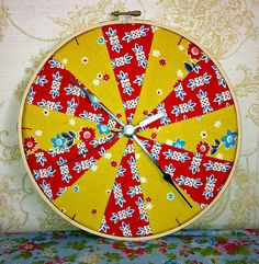 clock made with fabric and embroidery hoop