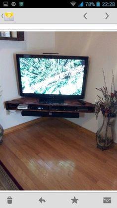 Mueble de television hecho con palets