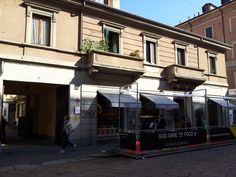 """Our building from outside. It's a tipical charmng """"Vecchia Milano"""" building, very small (just 2 floors). Downstairs you'll have everything you need: nice restaurants & bars, metro station (250 mt. ca. from Porta Genova metro station), shops, ..."""