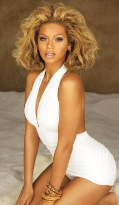 Beyonce brown black queens girl with blonde hair Mrs Carter, Beautiful Black Women, Beautiful People, Beyonce Knowles Carter, Actrices Hollywood, Queen B, My Idol, Pin Up, Hair Makeup