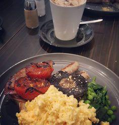 Breakfast in Port Fairy after a lovely wedding in Warrnambool yesterday.. . #bankstandco #portfairy #warrnambool #wedding #bigbreakfast by aussie_michael_nalesnyik http://ift.tt/1UokfWI