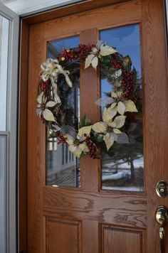 Exceptionnel Try Hanging A Big Wreath On Your Front Door With Command(TM) Outdoor Hooks.