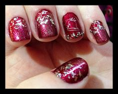 nailzy: Christmas Nails - December 5th