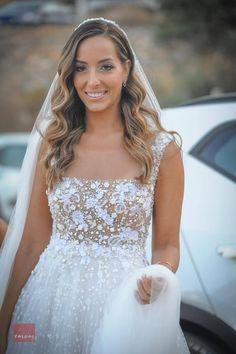 Δείτε περισσότερα για το Studio Tselios, στο www.GamosPortal.gr! Lace Wedding, Wedding Dresses, Fashion, Bride Dresses, Moda, Bridal Gowns, Fashion Styles, Weeding Dresses, Wedding Dressses