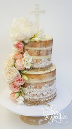 Cakes 2 Cupcakes; These Wedding Cakes are Incredibly Stunning - Cakes 2 Cupcakes #laceweddingcakes