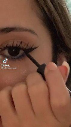 Makeup Inspo, Makeup Inspiration, Makeup Tips, Beauty Makeup, Eyeliner Looks, No Eyeliner Makeup, Alternative Makeup, Grunge Makeup, Eyeliner Tutorial