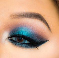 Makeup Geek Eyeshadows in Americano, Cocoa Bear and Shimma Shimma + Makeup Geek Foiled Eyeshadow in Houdini. Look by: Naila Z