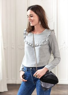 http://www.sezane.com/fr/product/collection-hiver/blouse-castle?cou_Id=304