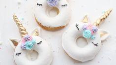 Der Einhorn-Magie scheinen keine Grenzen gesetzt zu sein! Und der neueste magische Food-Trend sind Einhorn-Donuts. Zumindest auf Instagram. Doch so schön sie auch anzusehen sind, sie müssen einfach vernascht werden! Hmm, lecker...