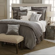 Save - on all Rustic bedding and comforter sets at Black Forest Decor. Your source for discount pricing on lodge bedding and bear bedding accessories. Lodge Bedroom Decor, Twin Bed Sets, Grey Comforter Sets, Bedroom Design, Lodge Bedding, Lodge Bedroom, Bedding Master Bedroom, Luxury Bedding, Luxury Bedding Sets