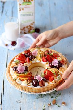 Tart with almond cream and fresh fruit - Delicious Virtue Easy Baking Recipes, Cake Recipes, Dessert Recipes, Yummy Treats, Yummy Food, Small Desserts, Number Cakes, Sweet Pie, Cafe Food