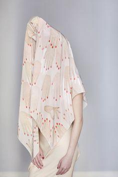 """Manos"" scarf by SuTurno Turbans, Fashion Installation, Bon Look, Fabric Photography, Small Scarf, Textiles, Fashion Photography Inspiration, Silk Scarves, Ethical Fashion"