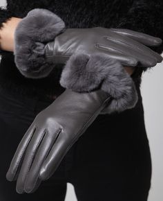 Rex fur & leather gloves / Genuine leather gloves at bosroom.com #Leathergloves #Gloves #Sheepskingloves #Simplegloves #Wintergloves #Winter #Ootd #Acc #Accessory #Accessories #Hand #Leatheracc