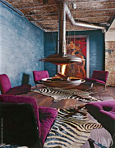 Very intriguing room, the colors, the space planning, full of unexpected goodness ! Vintage Interiors, Industrial Interiors, Industrial Style, Cosy Fireplace, Paris Apartments, Room Interior Design, Living Spaces, Living Rooms, Home And Living
