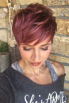 60 best short haircuts for - Neue Frisuren - Cheveux Short Hair With Bangs, Short Hair Cuts, Red Pixie Cuts, Short Hair Trends, Short Pixie Haircuts, Red Pixie Haircut, Haircut And Color, Rose Gold Hair, Great Hair
