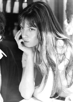 Jane Birkin, looking sorta like Liv Tyler. Or, is the other way around?