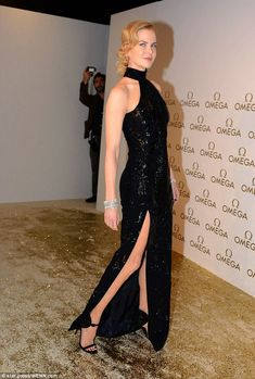 Well-heeled: Further highlighting her slim and toned pins, the actress wore a pair of killer strappy heels