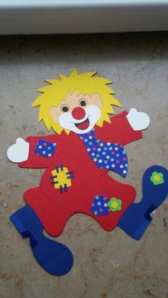Clown mit Krawatte Fensterbild
