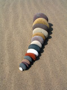 Spurn Head Pebble Queue 2 - by Love Rocks, Rocks And Gems, Rocks And Minerals, Pebble Stone, Pebble Art, Stone Art, Caillou Roche, Art Pierre, Rock And Pebbles