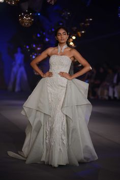 Gaurav Gupta's couture pieces totally floored the audiences, who were all gaga about the divinity in the designer's ensembles.#ICW2017https://www.perniaspopupshop.com/