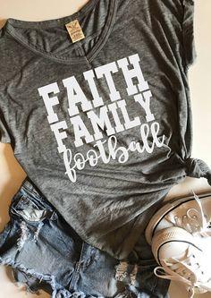 Vinyl Shirts, Tee Shirts, Tees, Football Spirit, Silhouette Cutter, Baseball Shirts, Diy Fashion, Shirt Designs, Cute Outfits