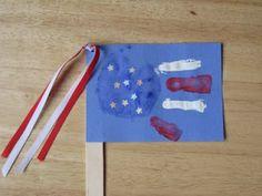Handprint and Footprint Art : 4th of July Handprint & Footprint Crafts {Round Up}