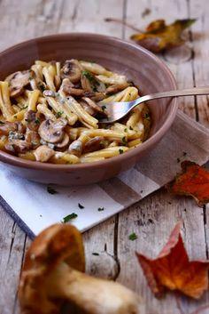 MIEL & RICOTTA: Casarecce funghi e gorgonzola