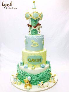Lâu lâu ngồi lục lại album ảnh thấy quá trời thứ hay ho . Điển hình như cái bánh này, hôm đó thật sự là một ngày đáng nhớ của team Lynh Kitchen. #fondantcake #cutecake #lynhkitchen #chocolatecake #deliciouscake #cakeforchildren