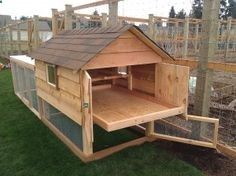 Easy to clean chicken coophttp://chickengardener.com/product/gable-roof-chicken-coop/
