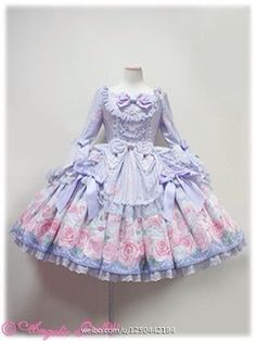 OMG this is gorgeous. I could never afford it though TT. Angelic Pretty has the prettiest things.