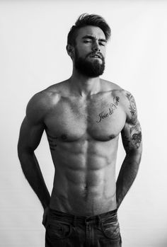 Nice beard and body... fierce!!!