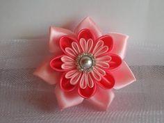 ▶ Украшение на шапочку Канзаши. Просто и красиво / kanzashi flowers tutorial - YouTube