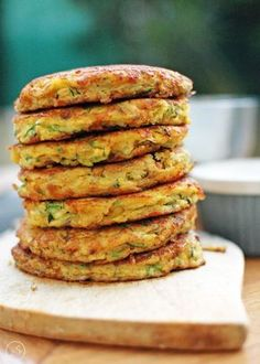 Zucchini and chickpea fritters Fritters made with chickpeas, grated zucchini, eggs and not much more. Shredded Zucchini Recipes, Veggie Recipes, Dinner Recipes, Healthy Recipes, Free Recipes, Kids Cooking Recipes, Healthy Cooking, Healthy Eating, Healthy Food